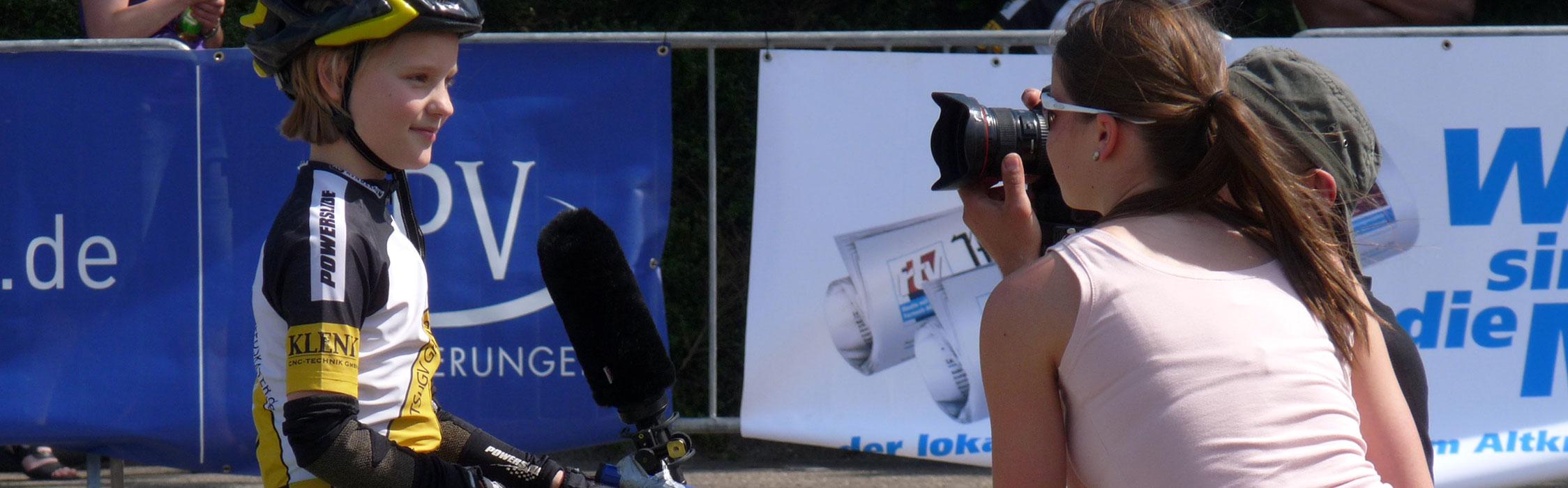 Joana beim Interview bei der Bahnmeisterschaft 2011